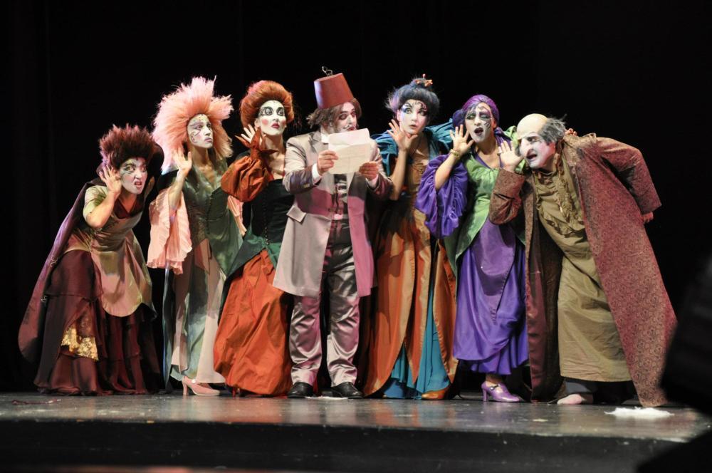 sark-discisi-istanbul-buyuksehir-belediyesi-tiyatrosu