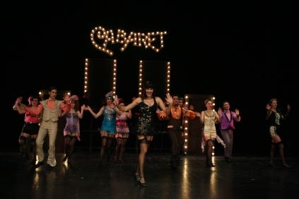 kabare-istanbul-buyuk-sehir-belediyesi-tiyatro-sahnesi